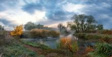 Morgen Herbst am Fluss / ***