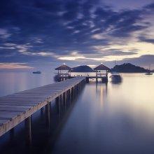 Pier at dusk / ***
