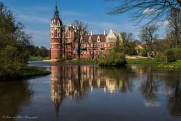 Schloss Muskau / Schloss Muskau ist eine bedeutende Schlossanlage im Norden des sächsischen Landkreises Görlitz.
