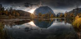 Grimming im Herbstkleid / Abends bei Sonnenuntergang am Fuße des Grimmings in der Steiermark-.,