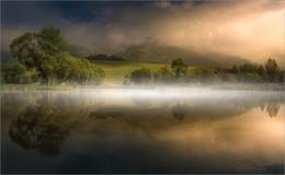 Märchenland / Morgens an einen kleinen Teich in der Steiermark.