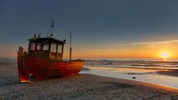 Fischerboot / Fischerboot im Abendrot