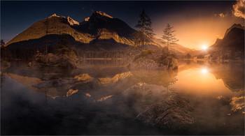 Hintersee / Abends bei Sonnenuntergang am Hintersee im Berchtesgadener Land