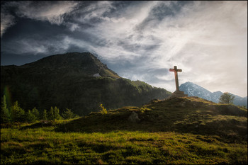 Das Gipfelkreutz / Schweizer Pass