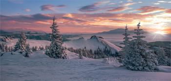 Winterpanorama / Abends auf der Stubalpe in der Steiermark.